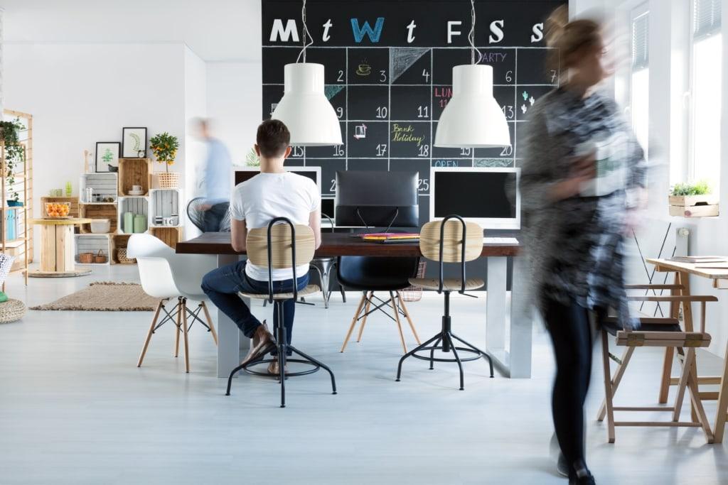 Coworkers In Office Pjzuwut Min